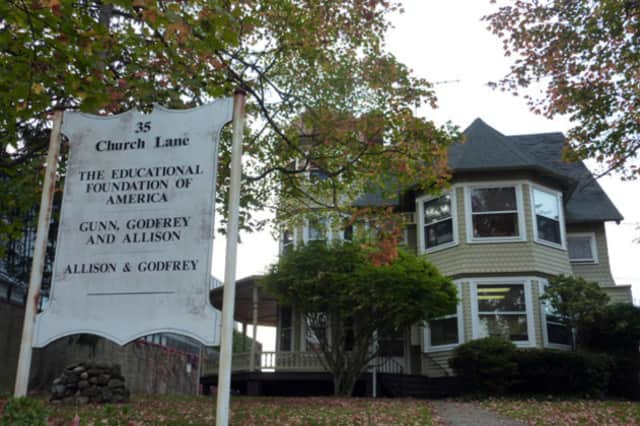 Westport's Planning and Zoning Commission voted against a proposal to relocate the historic Kemper Gunn House.