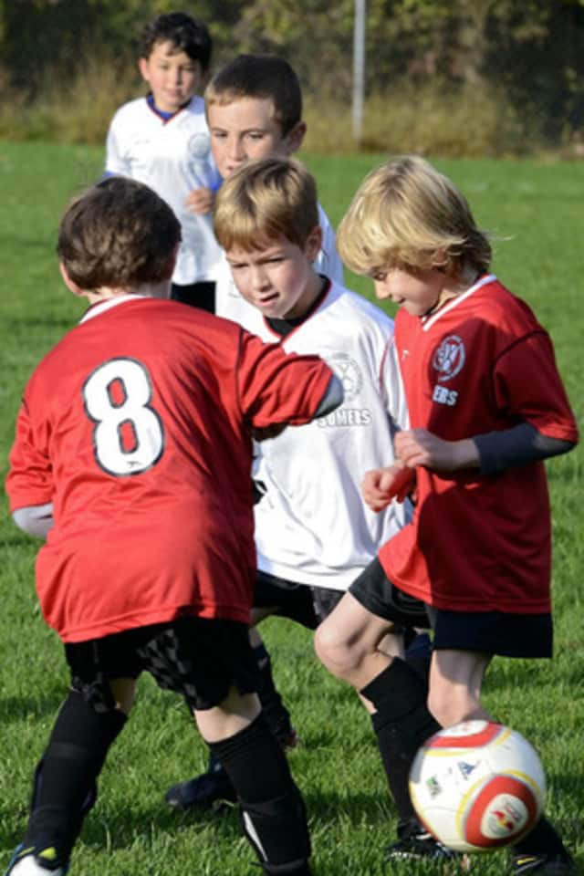 The Larchmont Newcomers' Club will host a father, child soccer clinic on Saturday, Oct. 12.