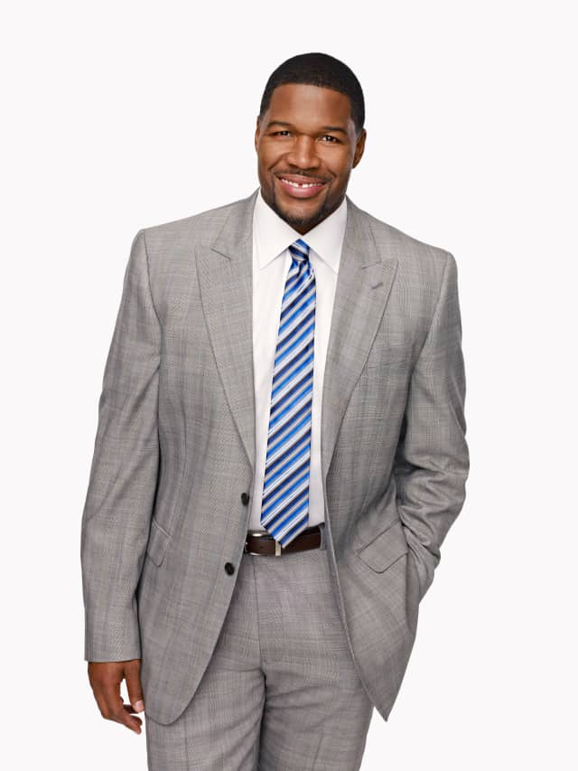 Michael Strahan will be the guest of honor at the Auxiliary of St Vincent's Hospital Westchester in Harrison's annual luncheon and fashion show on Nov. 7.