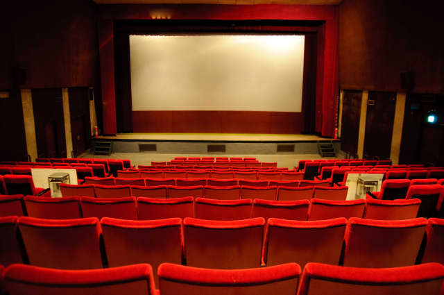 See which movies are playing near Scarsdale this weekend.