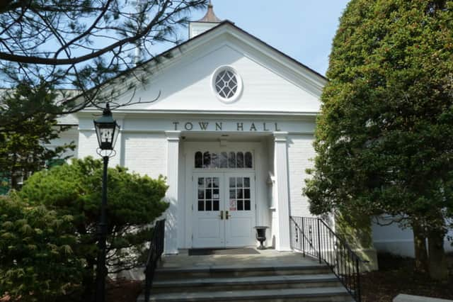 Weston Republicans will gather at Town Hall on Saturday.