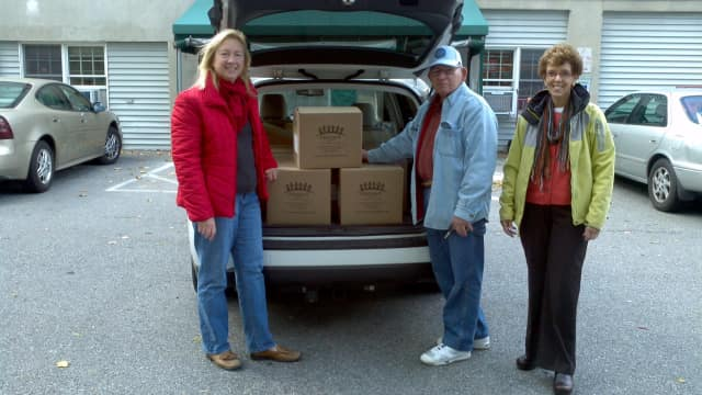 The Northeast Westchester Rotary Club raised $1,000 to purchase food for those in need.