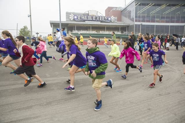 The Juvenile Diabetes Research Foundation's annual Walk to Cure Diabetes took place at Yonkers Raceway on Oct. 6.