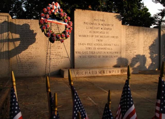 The Larchmont Historical Society pays tribute to fallen local heroes of World War II in a presentation hosted by Mark Schumer and John Esposito.