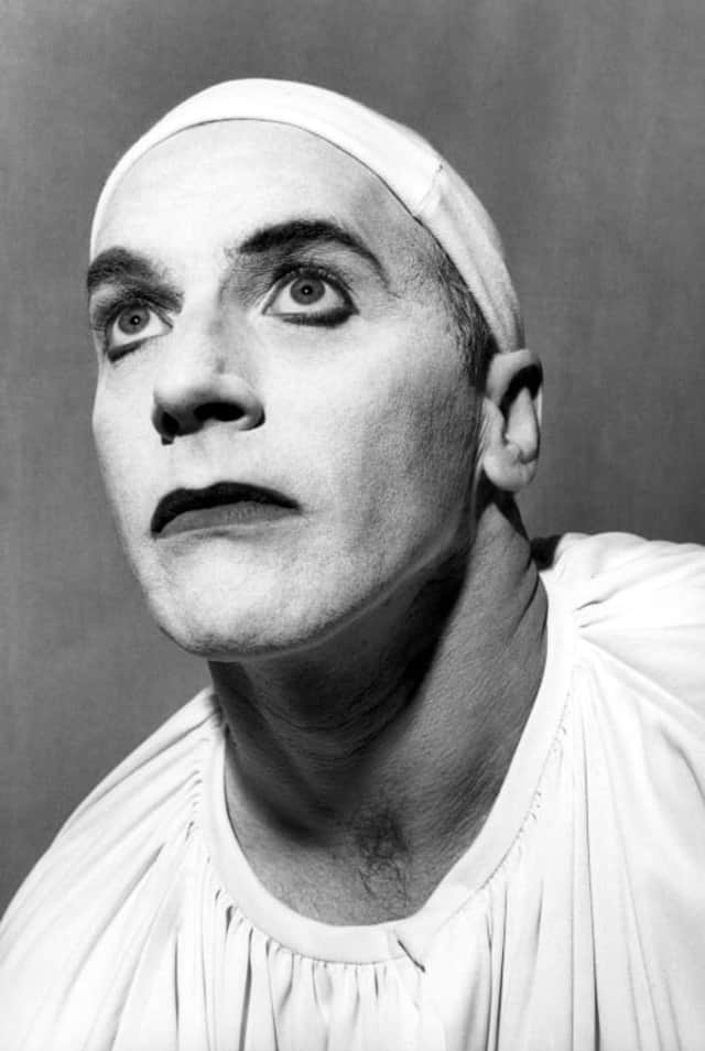 Mime artist Bill Bowers is set to share his experiences in a performance at The Schoolhouse Theater in December.