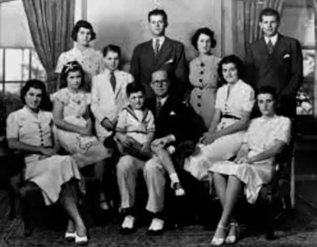 The Kennedy family lived in Bronxville.