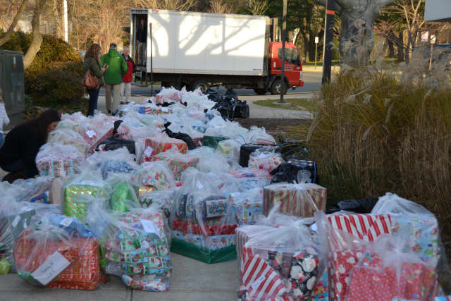 Donate food and gifts to the needy this holiday season.