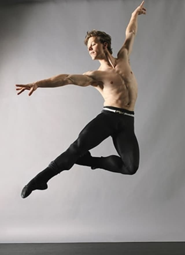 New York City Ballet principal Daniel Ulbricht is set to teach an intermediate-level master class at JCC Dance School in Scarsdale in December.