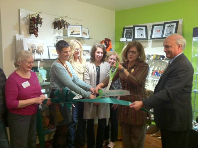 Dee Strilowich, Personal Touch Welcome; Morag Grassie, Ally Bally Bee; Jessica Morgans, Jewelry DesignsbyJess; Wendy MacCordy, watercolorist; Sue Fow, dog collars & fun children's gifts; Marion Roth, Ridgefield chamber; First Selectman Rudy Marconi