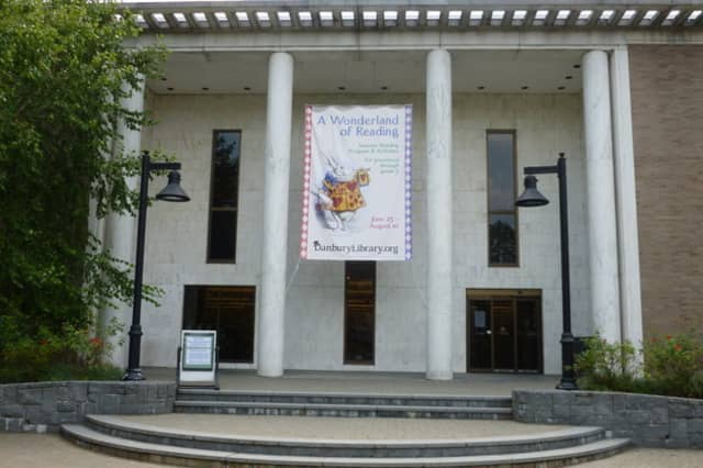 The M & M Productions Acting Company returns to the Danbury Library.