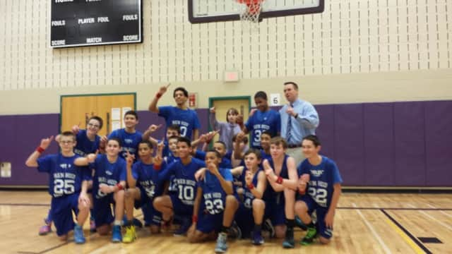 The Hendrick Hudson boys modified basketball team finished its season with a 9-0 record.