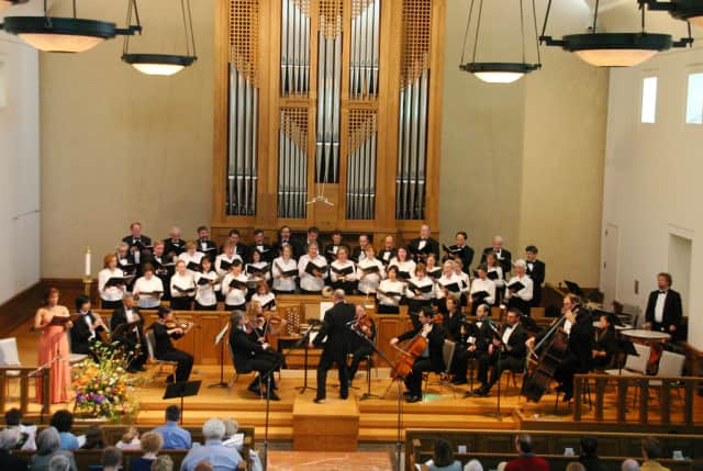 Scarsdale's  New Choral Society will receive the Arts Organization Award from ArtsWestchester at a luncheon on Friday, April 4.