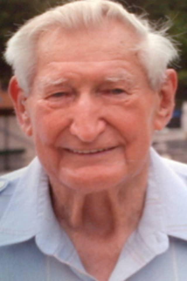 Julius R. Chemka, 86, Former Mayor Of Hastings