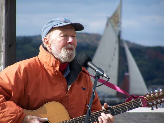 The Rivertown Community Singers will honor singer/songwriter Pete Seeger at Sunday, April 27 singalong at First Unitarian Society of Westchester in Hastings-on-Hudson.
