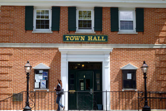 The Pelham Board of Trustees unanimously approved a 2014-15 budget recently.