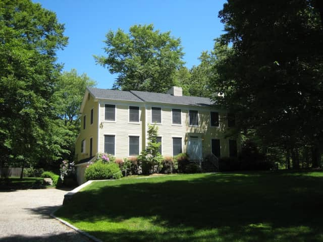 17 Danforth Drive, New Canaan