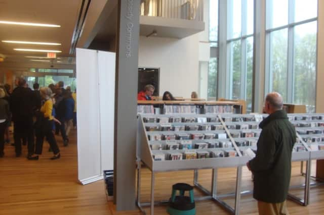 The new Ridgefield Library features large glass windows, letting in a lot of natural light.