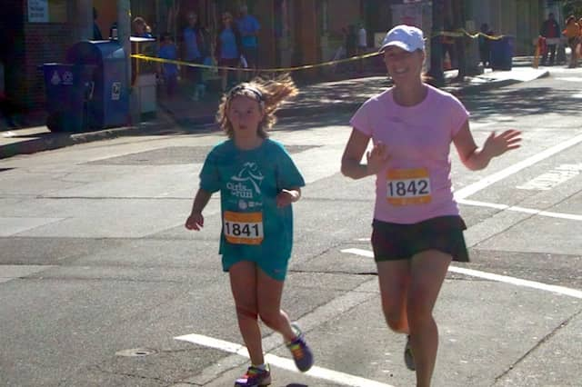 Families ran the 5k and 10k races at the Hope in Motion Walk and Run in 2015. An agent from William Pitt Sotheby Realty's Northern Stamford brokerage is organizing a company team to participate in another Hope in Motion event, on June 5.