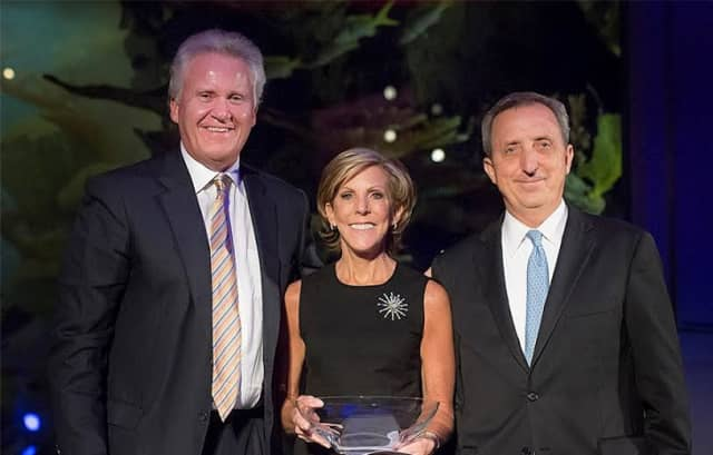 From left, Jeffrey R. Immelt, chairman and CEO of General Electric; Kathy Giusti, recipient of the Harvard Business School's John C. Whitehead Social Enterprise Award; and Dana LaForge, chairman of the MMRF board of directors.