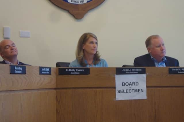 Members of the Darien Board of Selectmen think that more options need to be explored before a cell tower is built at the Ox Ridge Hunt Club.