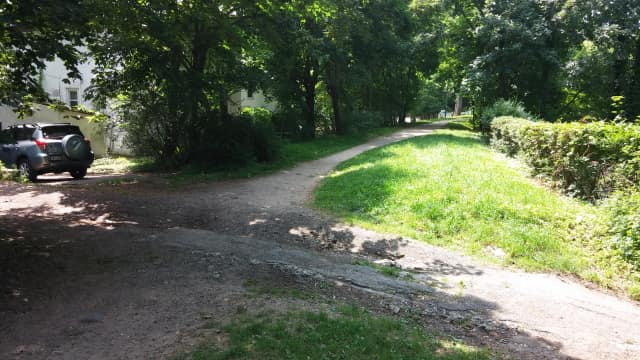 The area of the Croton Aqueduct Trail in Hastings where a 33-year-old man who later died was found.