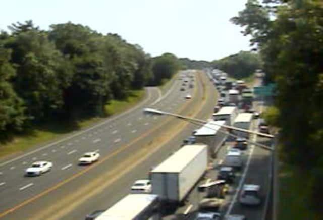 The traffic on southbound I-95 near Delavan Avenue in Greenwich is jammed due to a crash.