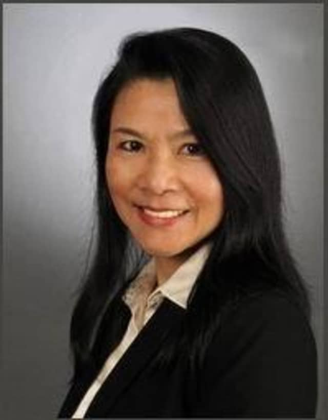 """Scarsdale resident Yingli Wen was named one of the year's """"50 Outstanding Asian Americans in Business"""" by the Asian American Business Development Center."""