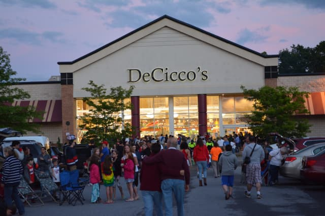 DeCicco & Sons is opening a new store in Westchester.