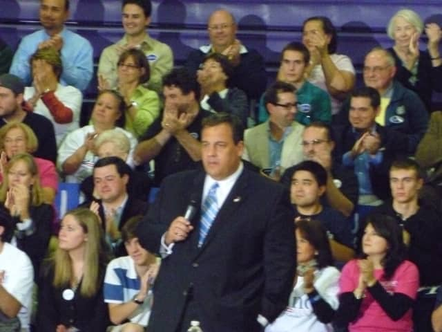 A new poll shows New Jersey residents want Gov. Chris Christie to return to New Jersey.