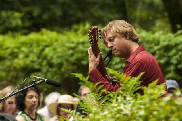 Jason Vieaux, a guitarist virtuoso, returns to Caramoor for a performance on Thursday, July 24.