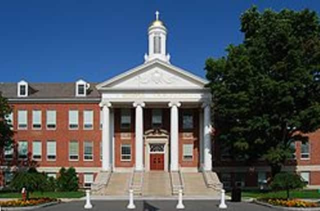 Wilton's Steven Muccioli graduated from Siena College.