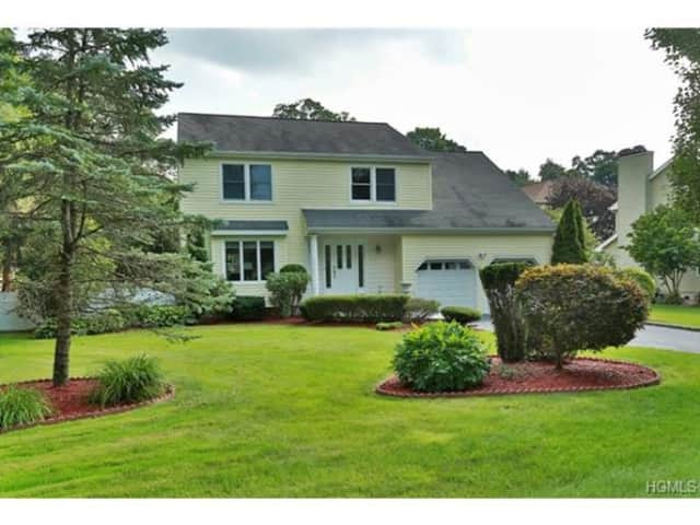 1 Country Club, Pleasantville