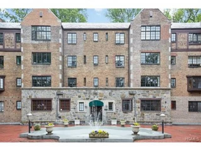 A condominium at 915 Wynnewood Road in Pelham is open for viewing on Sunday.