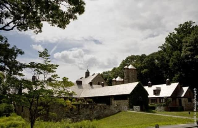 President Obama's Friday visit to Westchester will continue into Saturday, as he plans to attend his personal chef's wedding at Blue Hill at Stone Barns in Pocantico Hills.