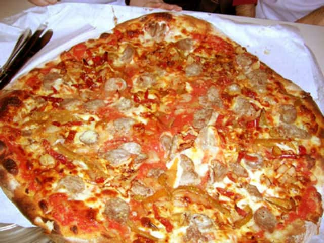 Frank Pepe's pizza ranks best in nation.