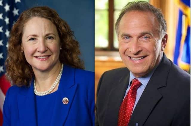 Democratic U.S. Rep. Elizabeth Esty and Republican Mark Greenberg will meet in a debate in October in Danbury.