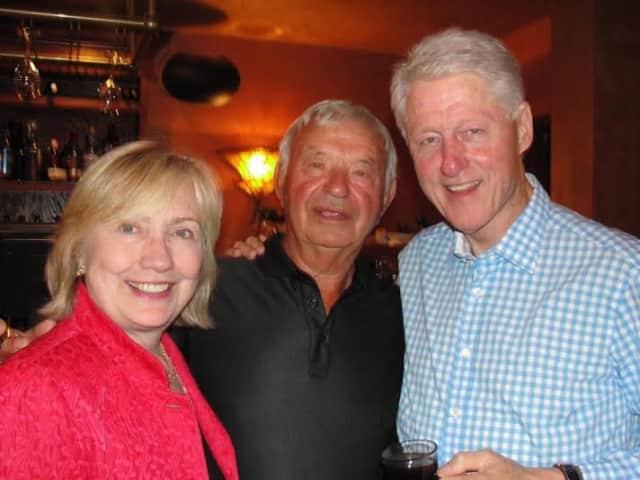 Eduardo Lubic Senior with the Clintons.
