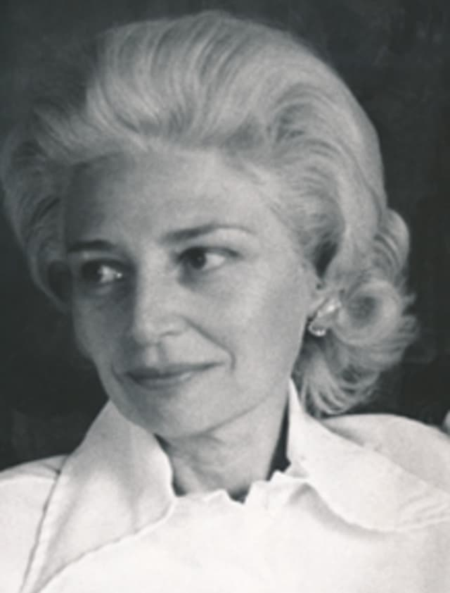 Evelyn Blanche Carbonell