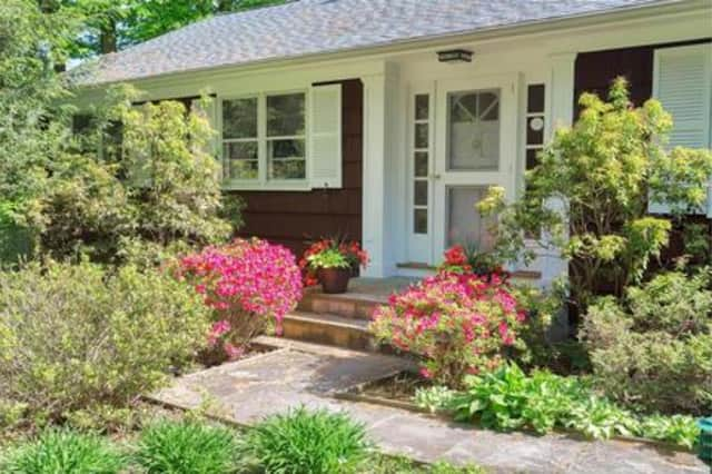 54 Sunrise Ave., Katonah