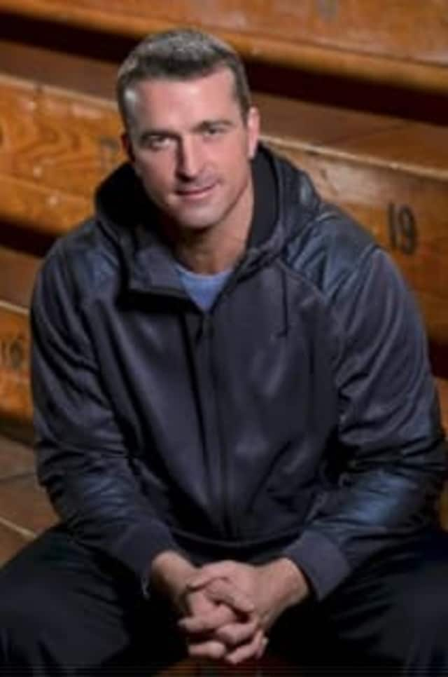 Former NBA player Chris Herren, who struggled with substance abuse, will speak at Wilton High School on Oct. 21.