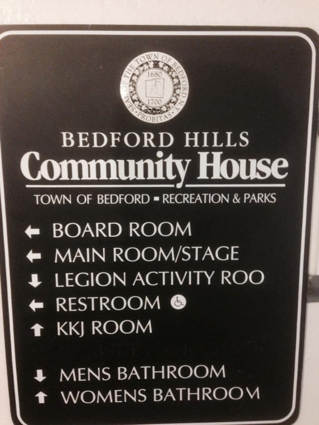 A sign for the Bedford Hills Community House.