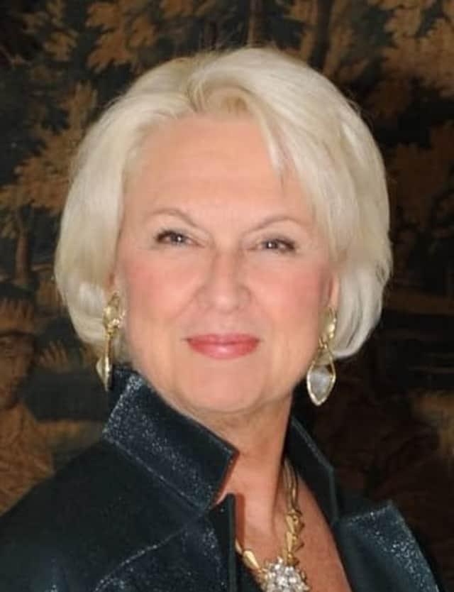 Elaine Uzan Leary
