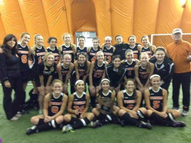 The Mamaroneck field hockey team after its state-qualifying win on Sunday.