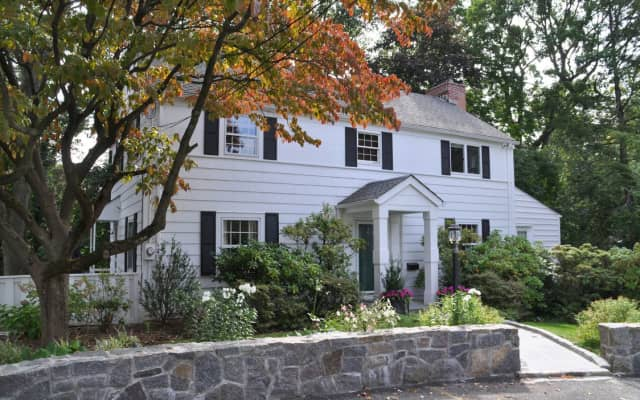 5 Wellyn Close, Bronxville