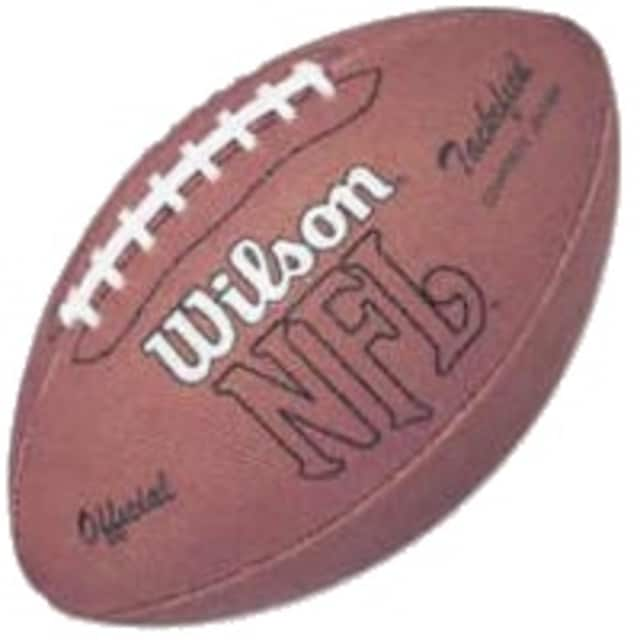 The top ranked Wilton seventh grade white team remained the only undefeated Wilton football team by dominating the Darien white team Nov. 15.