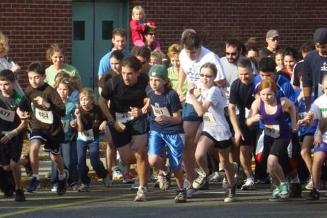 Runners take part in previous Peter Oley Turkey Trot.