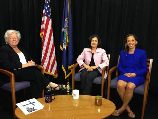 Assemblywoman Sandy Galef is joined by Assemblywoman