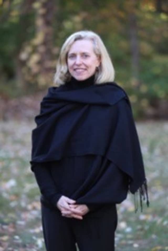 Pam Kersey will fill a vacant seat on the Weston Library board.
