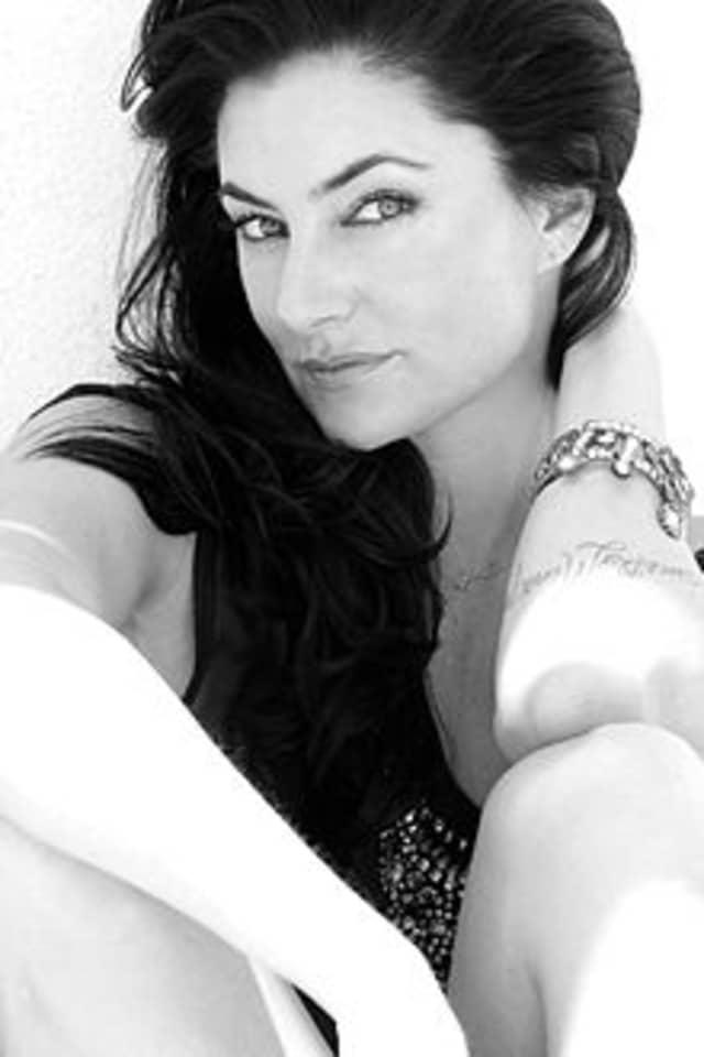 Mädchen Amick turns 45 on Saturday.