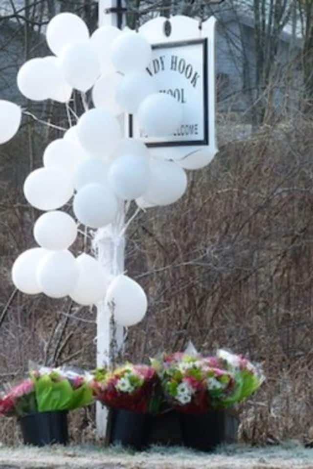 Fairfield residents are asked to honor Sandy Hook victims with acts of kindness on Dec. 14.